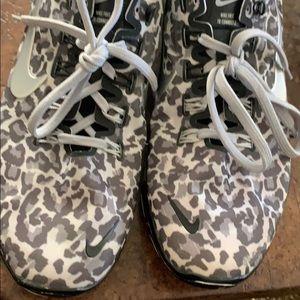 Nike Shoes - Nike cheetah print cross training shoe